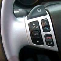 Parrot Bluetooth multicomm steering wheel interface